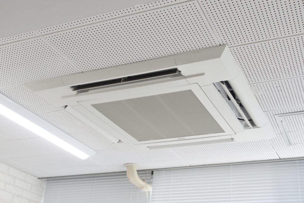 レンタル収納サービスの空調設備について