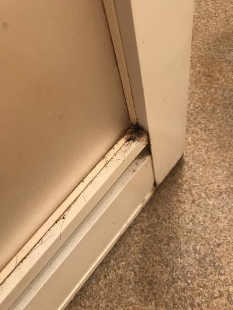 ドアの汚れ